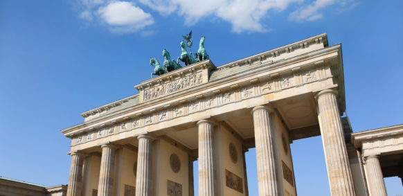 Relocating to Germany - Brandenburger Tor, copyright: sashagala/Shutterstock.com